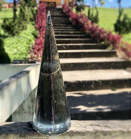 Cone orgonite de pó de turmalina negra - indicado para limpeza de lugares carregados, afasta obsessores, quebra de magia e proteção eletromagnética de ambientes.