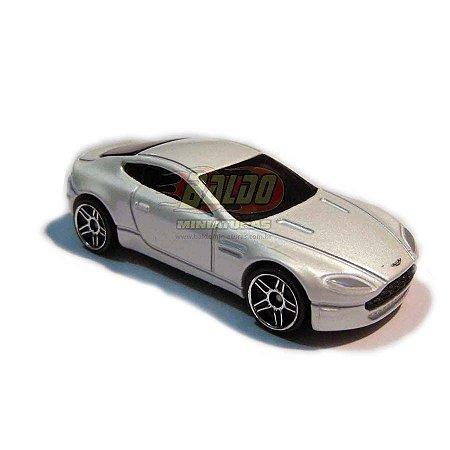 Hot Wheels - Aston Martin V8 Vantage -  2008 - Sem cartela (loose)