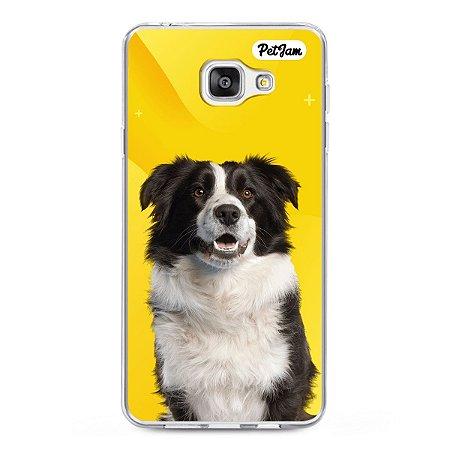 Case de celular com fundo amarelo abstrato