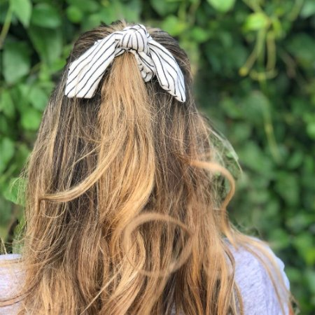 Scrunchie Comphy Listras Finas P&B