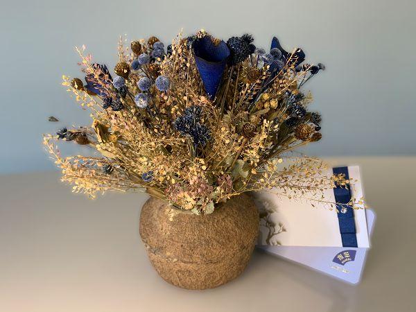Kit Voucher Shiatsu 60' + Banho de Ofurô e Vaso Rústico com Flores Naturais Desidratadas