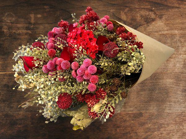 Bouquet de Flores Variadas Secas Vermelhas