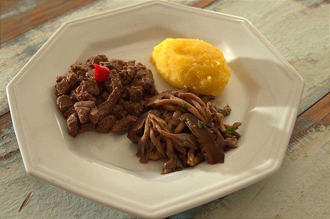 Menu 18 - Filet mignon, purê de mandioquinha e  cogumelos grelhados - 300g