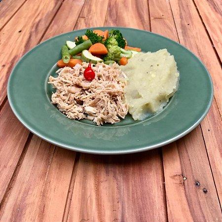 MENU 2 - Frango desfiado, purê de batata doce e mix de legumes - 300g