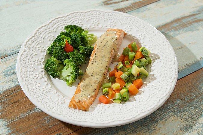 MENU 30 - Salmão ao molho de maracujá, brócolis e mix de legumes - 250g