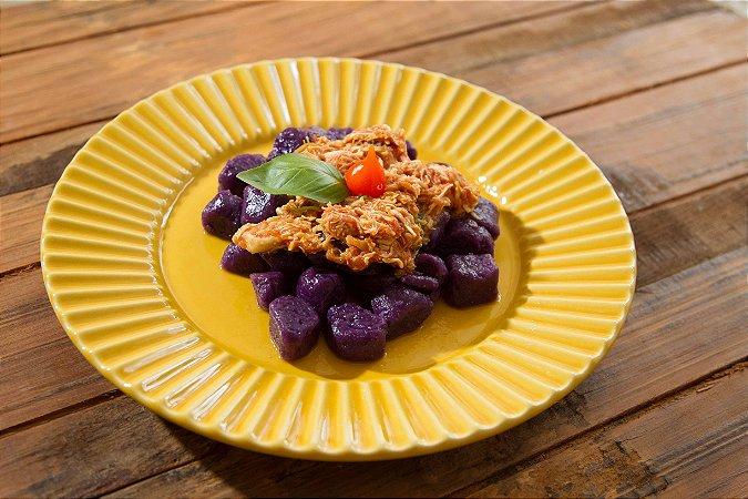Gnocchi de batata doce roxa com frango - 350g