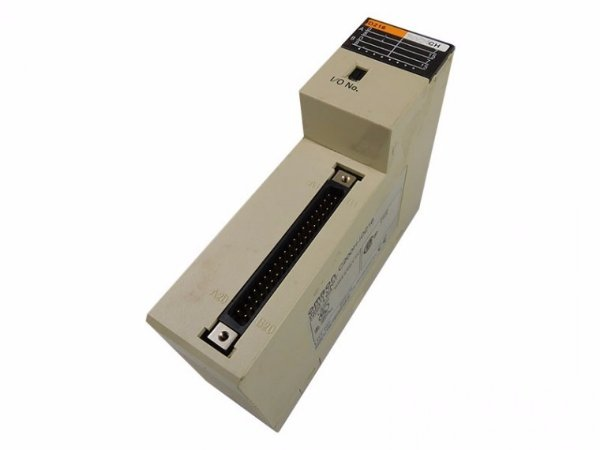 MODULO CLP SERIE C200H 32 ENT. DIG 24VCC CPU 21/23/31  C200H-ID216