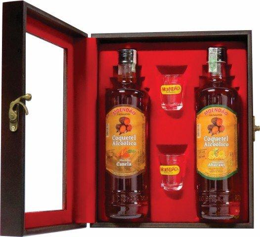 Kit 2 Cachaças de Frutas Sabores Canela e Abacaxi 700ml + Kit Personalizado