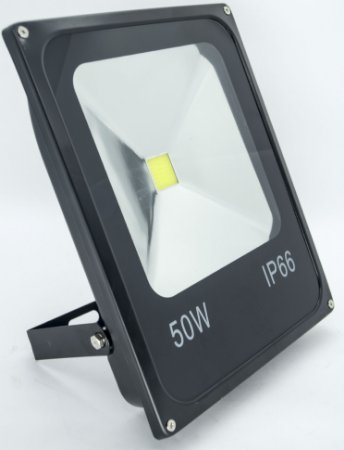 Refletor de LED 50W 6500k Branco frio ip66 Bivolt