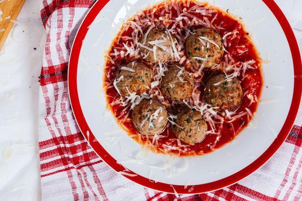 Almôndegas de Carne com Molho de Tomate 500g | Serve duas pessoas  | Produto congelado e acondicionado a vácuo