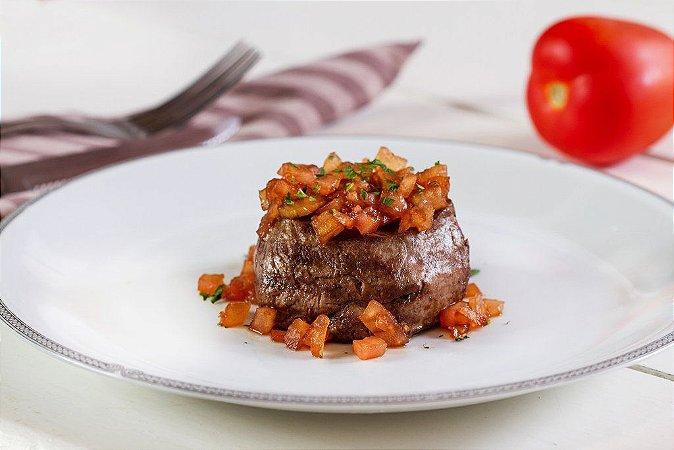 Filé Mignon ao Molho de Tomate 300g | Serve duas pessoas  | Produto congelado e acondicionado em bandeja