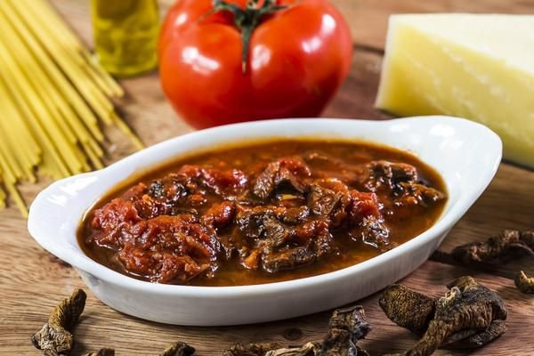 Molho de Tomate com Cogumelo Porccini 400g | Serve duas pessoas |Produto congelado e acondicionado em pote