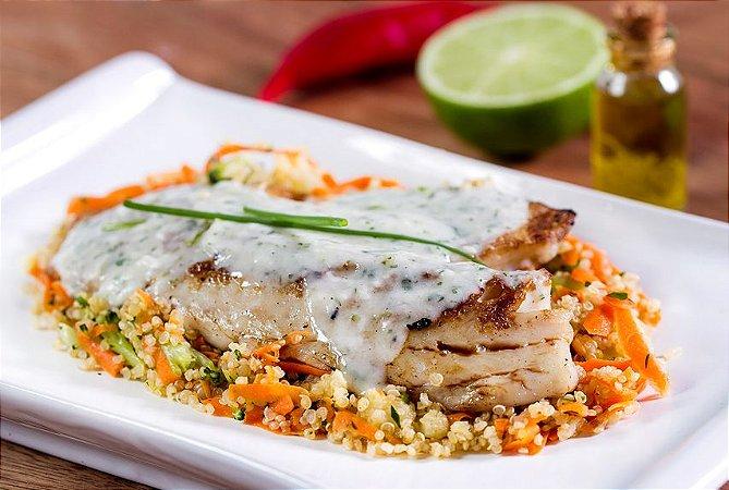 Saint Peter Empanado ao Limão + Quinoa com Legumes 300g | Porção Individual  | Produto congelado e acondicionado a vácuo