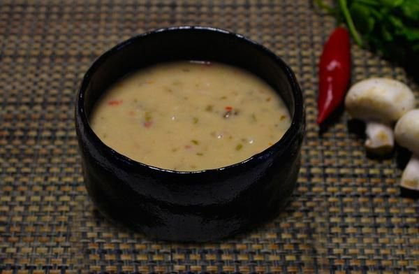 Sopa Thai 400g | Porção Individual | Produto congelado e acondicionado em pote