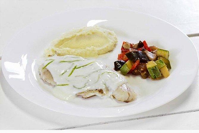 Saint Peter com Crosta de Linhaça + Ratatouille + Purê de Batata 300g | Porção Individual |Produto acondicionado a vácuo