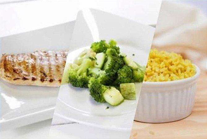 Filé de Frango ao Alecrim + Legumes + Arroz Integral com Cúrcuma 300g | Porção Individual | Produto acondicionado a vácuo