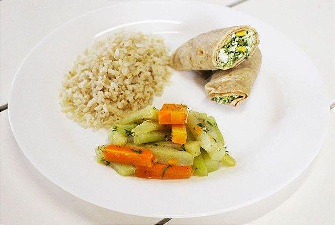Panqueca Integral com Ricota e Espinafre + Legumes + Arroz Integral