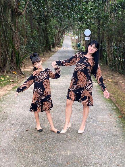 Tal mãe, Tal filha Vestido marrom folhas