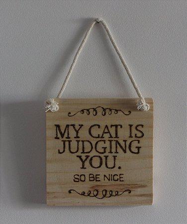 Placa de Parede My Cat is Judging