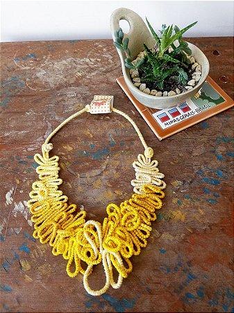 Maxi colar Art Amarelo