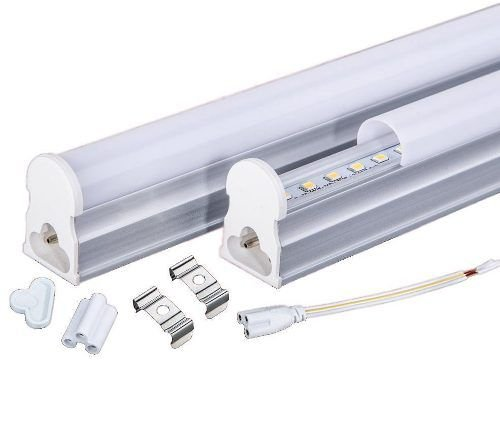 Luminária LED T5 de Sobrepor 14 Watts 900mm