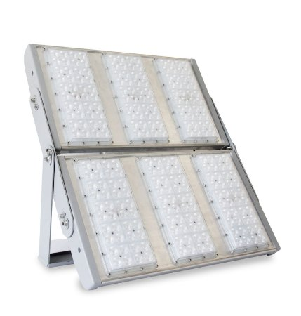 Projetor LED Modular Alta Potência 600 Watts com Lente 4x4 Cobert - LED Chip Philips Lumileds Luxeon 3030