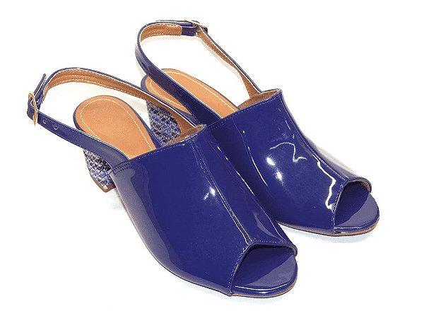 Sandália Chanel Azul em Verniz Salto Grosso