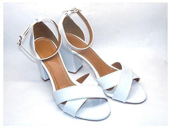 Sandália Branca Fosca com Salto Alto