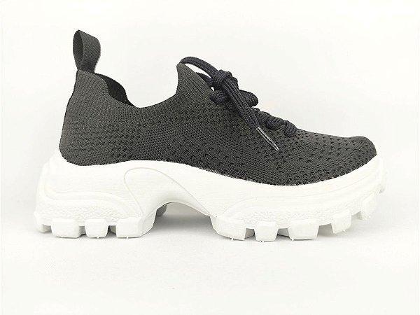 Tênis Chunky Sneaker Preto Trabalhado em Tecido Solado Tratorado 5 cm