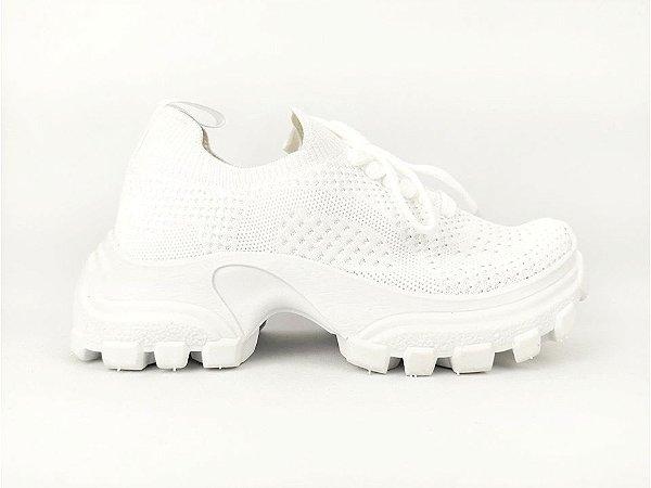 Tênis Chunky Sneaker Branco Trabalhado em Tecido Solado Tratorado 5 cm