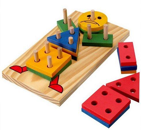 Boneco Geométrico de madeira- multicolorido-Carimbras
