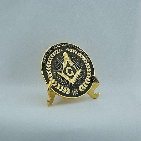 Esquadro e Compasso com Suporte de Metal Dourado