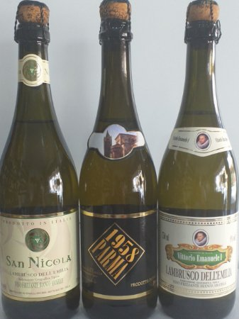 Kit 03 Lambruscos brancos S. Nicola, Parma e Vitt. Emanuelle 03 unid. R$ 65,00 reais