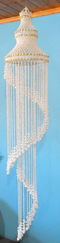 chandelier w/ white moon shell 220 cm - unid