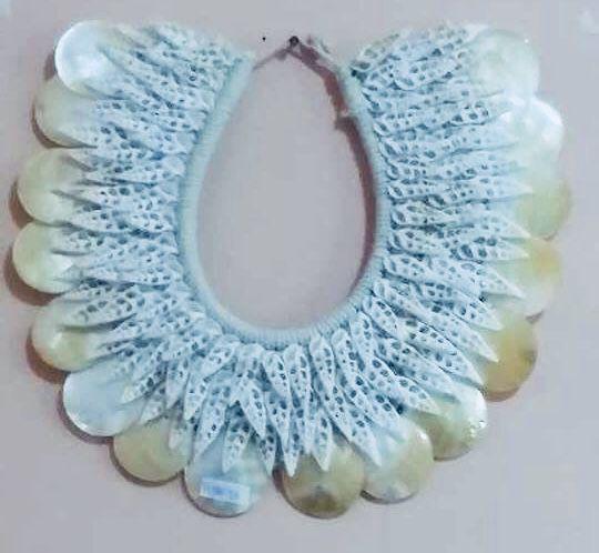 necklace rhinoclavis vertagus cut/placuna - unid