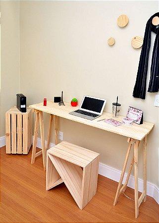 Mesa com Cavalete em Pinus Slim