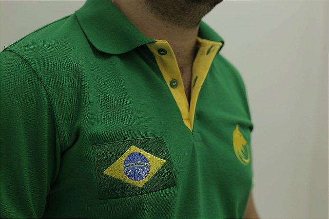 Polo Masculina Verde Detalhe Amarelo Brasão Brasil Lobo Cekock