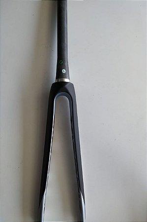 Garfo de Carbono VENTUS S23 700c