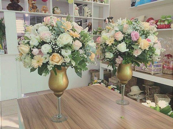 Arranjos com Flores Brancas Modelo 4