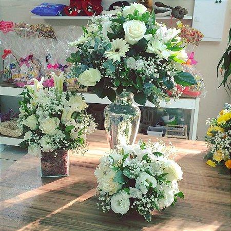 Buquê com flores Brancas modelo 6 💐