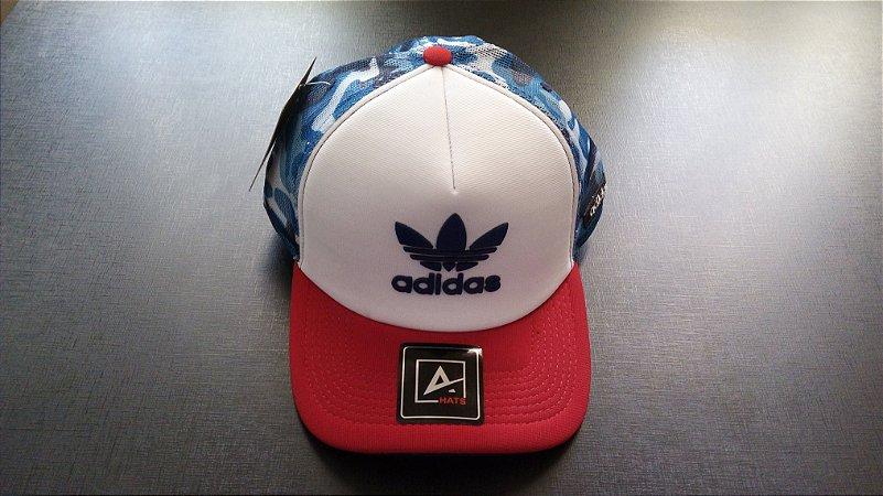 Boné Adidas Trucker - Aba Curva - Branco e Vermelho