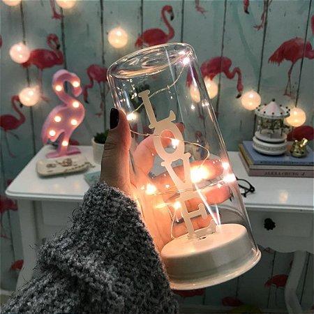 Luminária Love com fio de fada