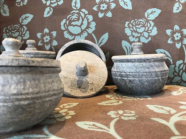 Conjunto - 4 Potes em Pedra Sabão
