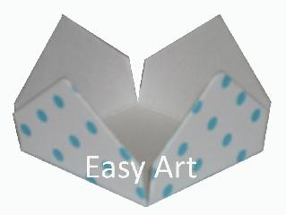 Forminhas para Doces - Pacote com 100 Unidades / Branco com Poás Azuis