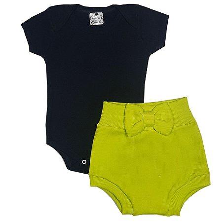 Conjunto Bebê Body Preto + Shorts Tapa Fralda