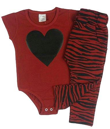 Conjunto Infantil Body Manga Curta Bordo Com Aplique Coração e Calça Saruel Zebra