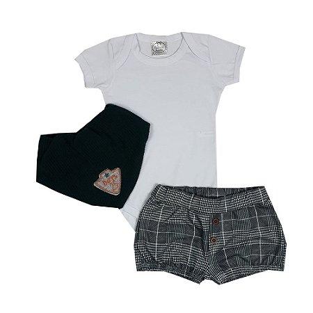 Conjunto Bebê Body Branco + Shorts Xadrez + Bandana Verde
