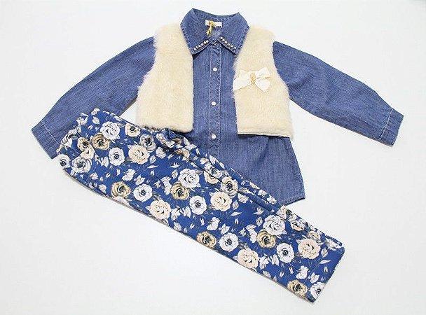 conjunto legging estampada, camisa jeans e colete pele