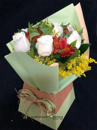 Buquê na Caixa com 6 Rosas Branco