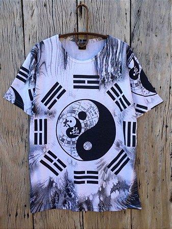 Camiseta Indiana Masculina Tie-Dye Yin-Yang Branca